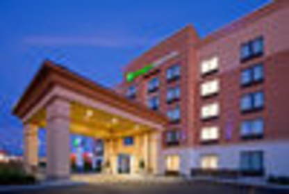 Holiday Inn Express & Suites Woodstock South - Hotels - 1-877-654-0228