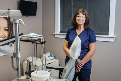 Choice Independant Dental Hygiene - Teeth Whitening Services - 905-894-5095