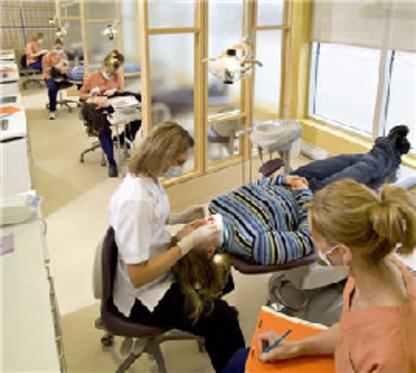 Huard Hélène Dre - Dentists - 506-855-5801