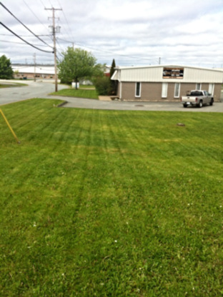 McGinnis Lawn Maintenance - Tondeuses à gazon - 902-402-2800