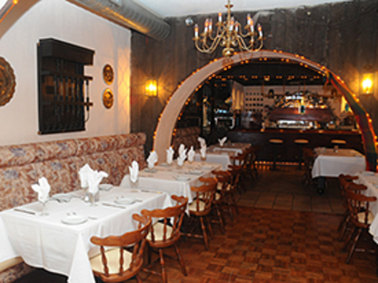 El Rancho Restaurent - Restaurants - 416-921-2752