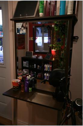 Studio Magenta - Salons de coiffure et de beauté - 819-478-6254