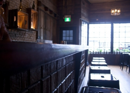 Crowbar - Restaurants - 604-336-2769