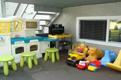 Hippo Daycare - Childcare Services - 778-997-5100