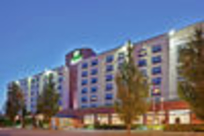 Holiday Inn Express Vancouver Airport - Richmond - Hotels - 1-877-654-0228
