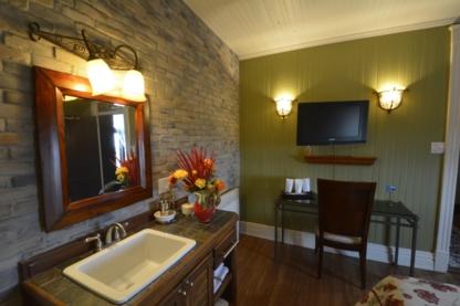 Auberge Bruine Oceane - Hotels - 418-562-5766