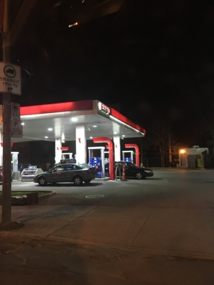Esso - Stations-services - 514-933-8556