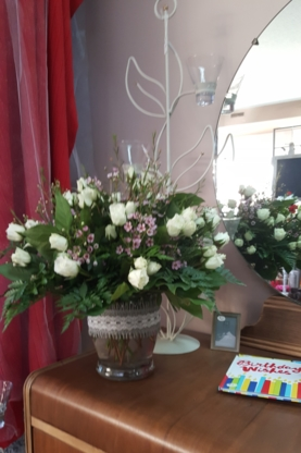 Marquis Flower Shop - Florists & Flower Shops - 403-327-1515
