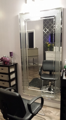 Dahlias Hair Design - Hairdressers & Beauty Salons - 506-536-3818