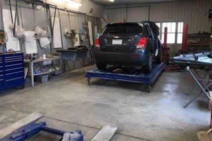 Garage centre de débosselage G L Inc - Réparation de carrosserie et peinture automobile