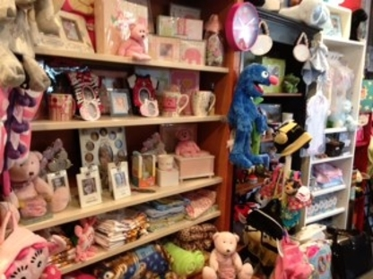 Northern Rainbow's End Gifts & Flowers - Gift Shops - 204-687-7855