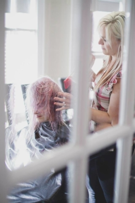 Elan Vitale Salon & Day Spa - Hair Salons - 905-732-4127