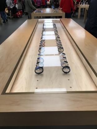 Apple Carrefour Laval - Electronics Stores