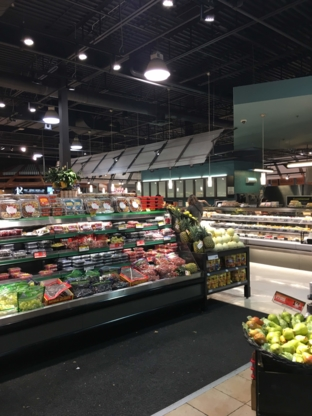 Metro Ville Mont-Royal - Grocery Stores