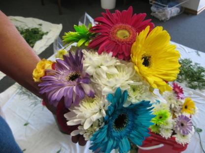 Sweetpea & Willow - Fleuristes et magasins de fleurs - 204-523-7388