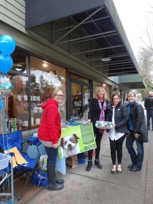 Waldo & Tubbs Pet Food & Supplies - Magasins d'accessoires et de nourriture pour animaux
