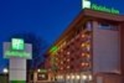 Holiday Inn Kingston-Waterfront - Burger Restaurants - 1-877-654-0228