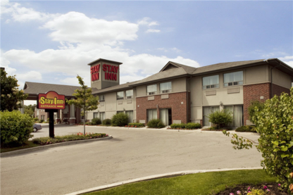 Stay Inn - Hotels - 416-259-7899