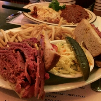 Reuben's Restaurant Delicatessen - Steakhouses - 514-861-1255