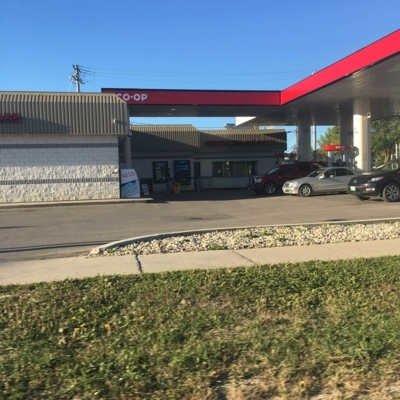 Red River Co-op - Stations-services