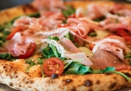 Find the perfect delivery pizza in Victoria