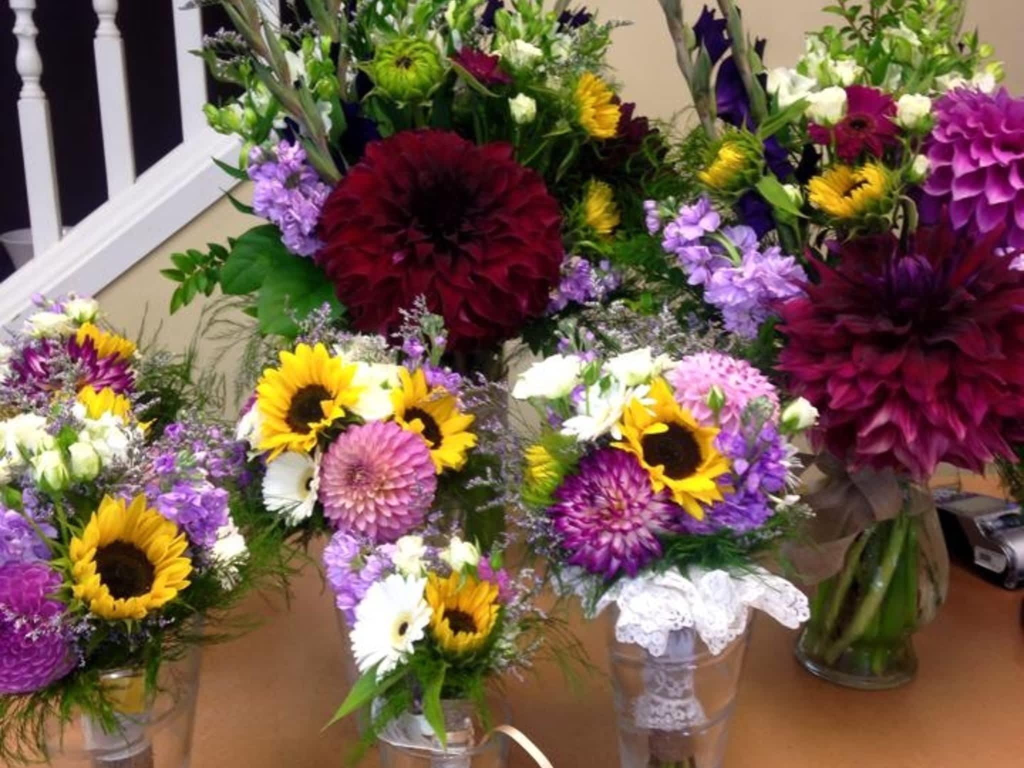 photo Oak Bay Flower Shop