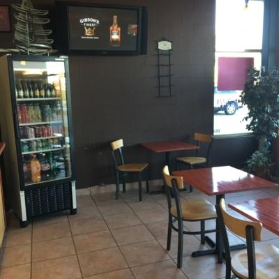 Plateau Pizza - Restaurants - 604-552-8812