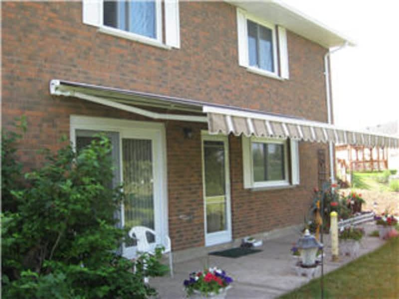 Alexander Awnings St Catharines On 2 461 Eastchester