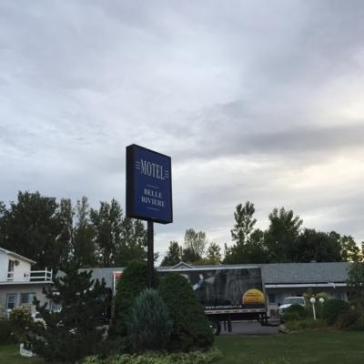 Motel Belle Rivière - Hotels - 450-347-5561