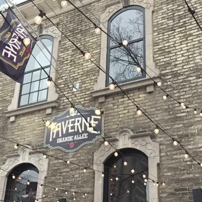Taverne Grande-Allée - Restaurants - 418-522-8226