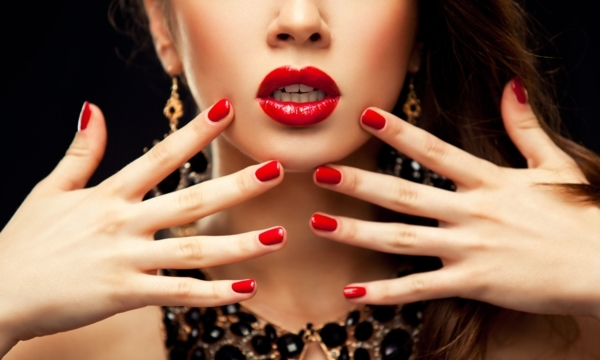 Vancouver beauty hotspots to get you glam for the holidays | YP Smart Lists