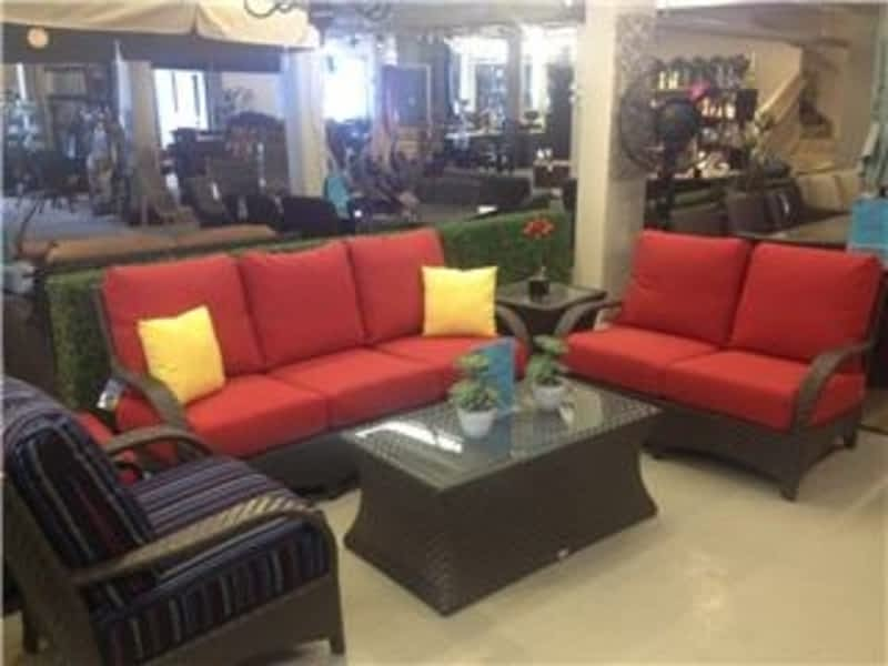 Luxe Furniture Company Winnipeg Mb 120 Mcphillips St