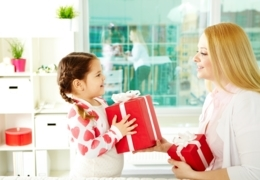 Edmonton shops with lovely Christmas gifts for moms