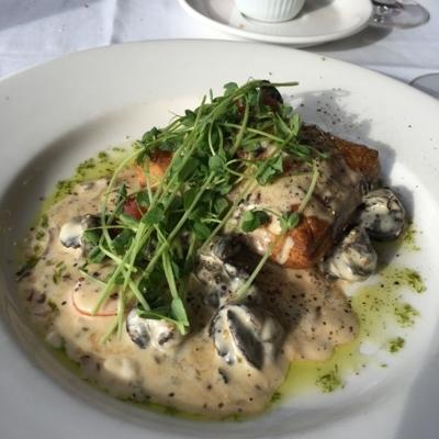 La Ronde - Restaurants - 780-420-8366