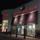 Tommy Hilfiger - Magasins de vêtements - 514-388-4343