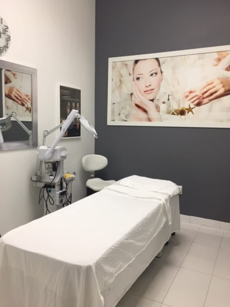 Instyle Nails And Spa - Mississauga, ON - 660 Eglinton Ave W | Canpages