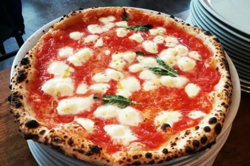 photo Pizzeria Spacca Napoli