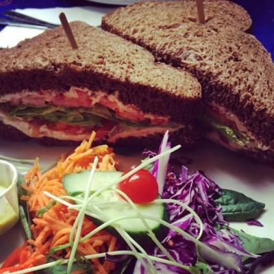 Café Santropol - Restaurants végétariens - 514-842-3110
