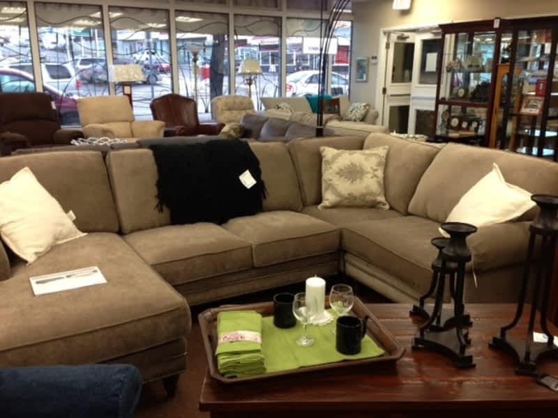 Laketown furnishings ltd williams lake bc 99 second for Decor home furniture ltd