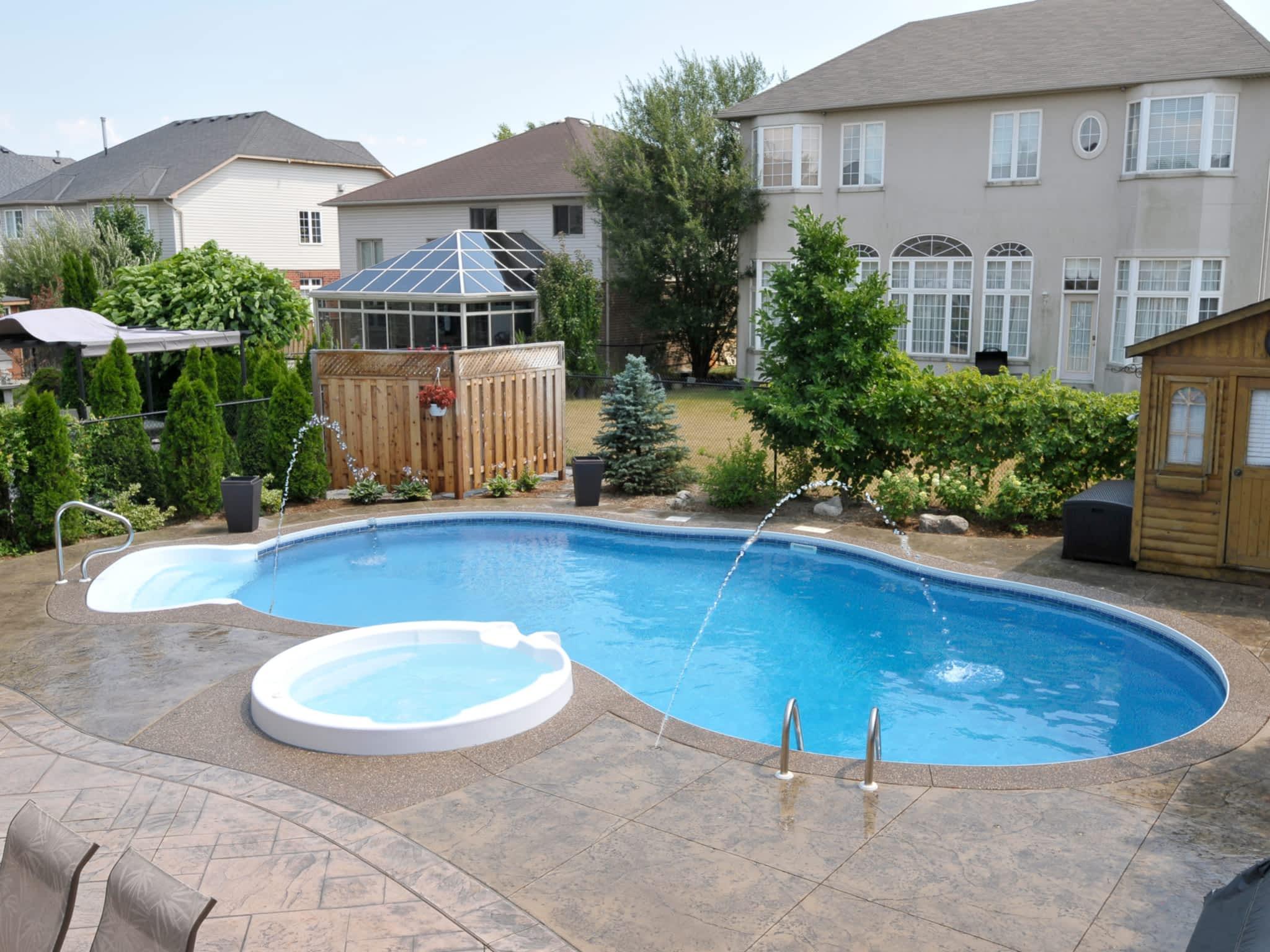photo Bud's Spas & Pools