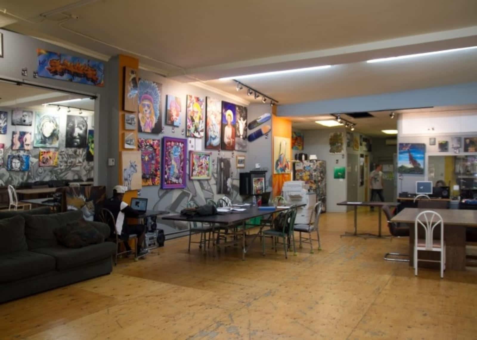 Café graffiti opening hours 4260 rue sainte catherine e montréal qc