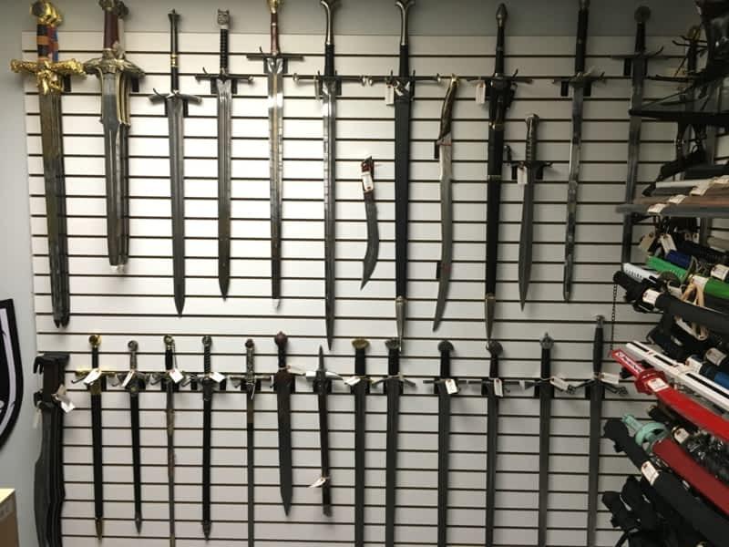 photo Medieval Depot - Swords & Knives