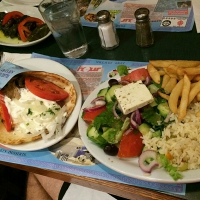 Souvlaki Village Grec - Restaurants grecs - 514-274-4371