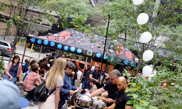 Outdoor summer food markets in Toronto