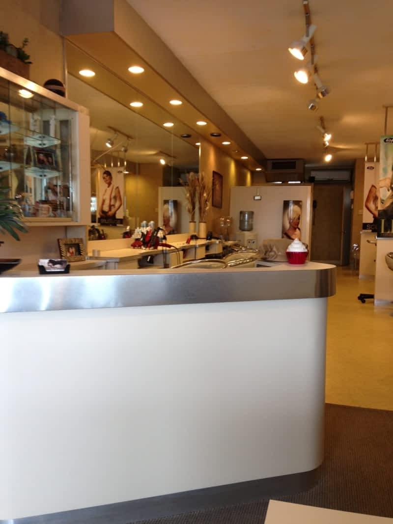Salon vincent michelle haute coiffure enrg anjou qc for Salon haute coiffure paris