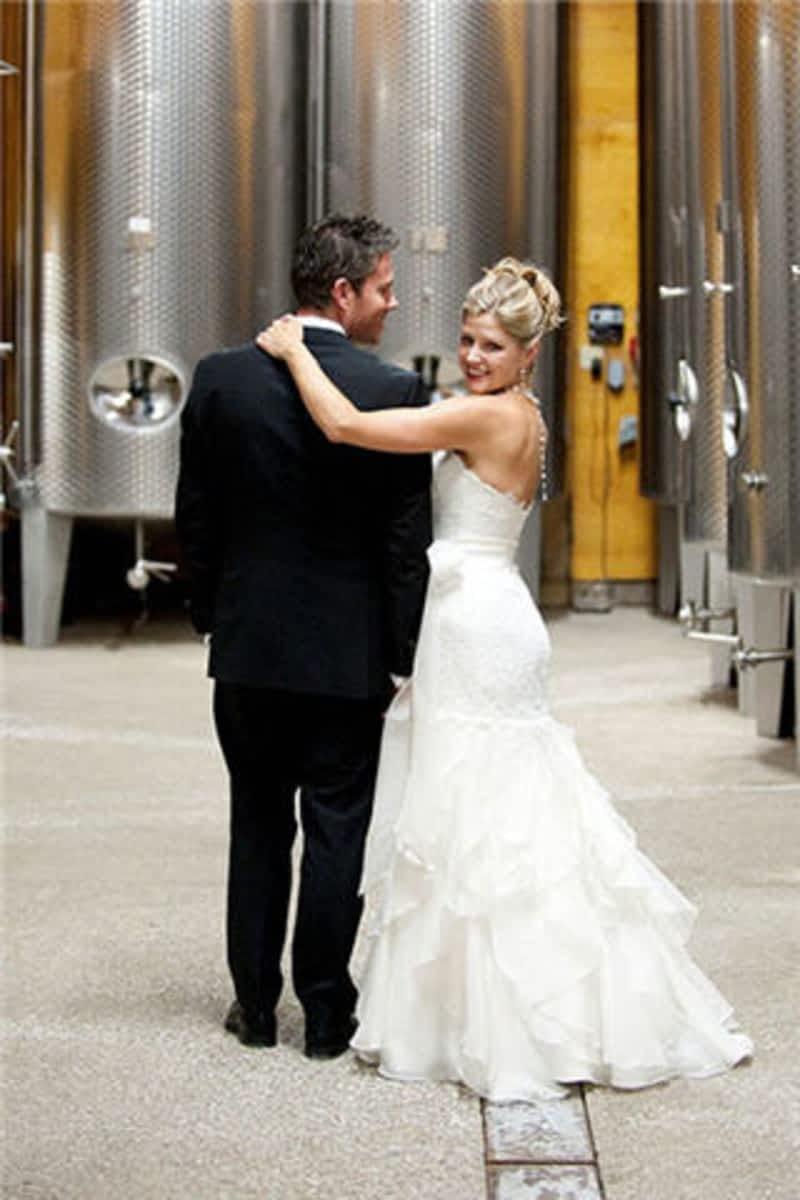 Larisa S Tailors Amp Wedding Dress Alterations North York