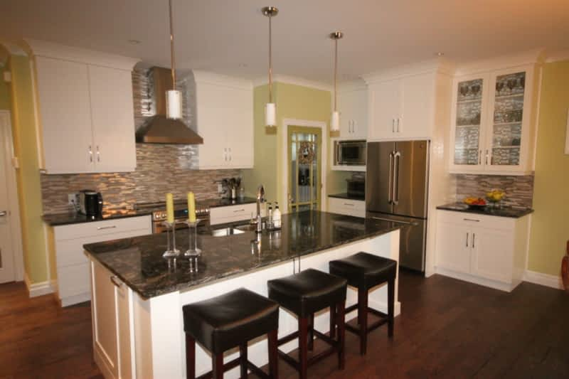 a m kitchen cabinets saskatoon leeds cabinets ltd chatham on 7 mcgregor pl canpages 10402
