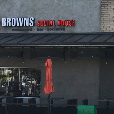 Browns Socialhouse - American Restaurants