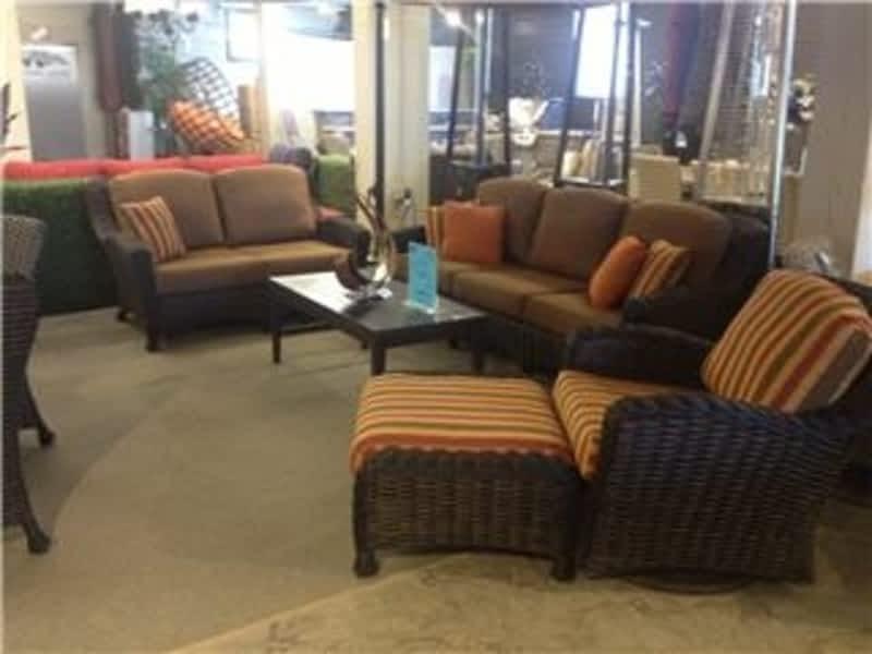 Luxe Furniture Company Winnipeg Mb 120 Mcphillips St