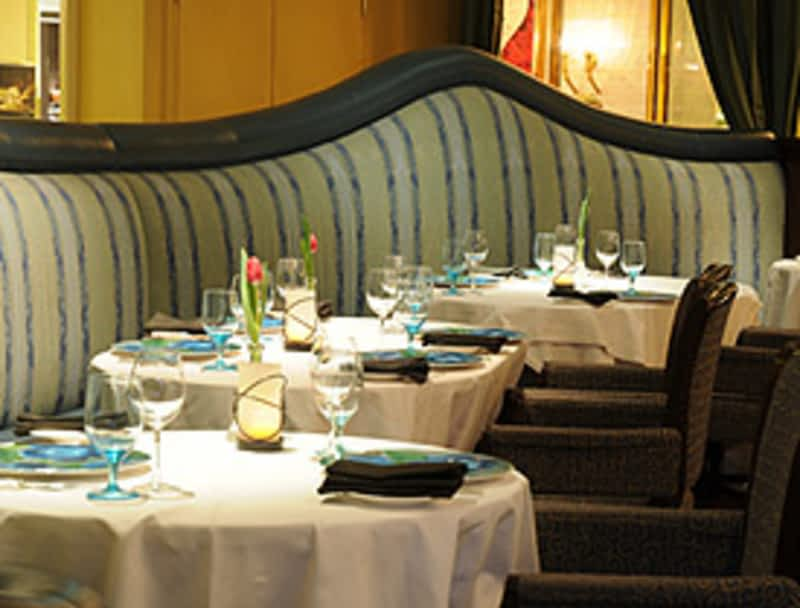 Epic restaurant toronto on 100 front w canpages for Aroma fine indian cuisine toronto